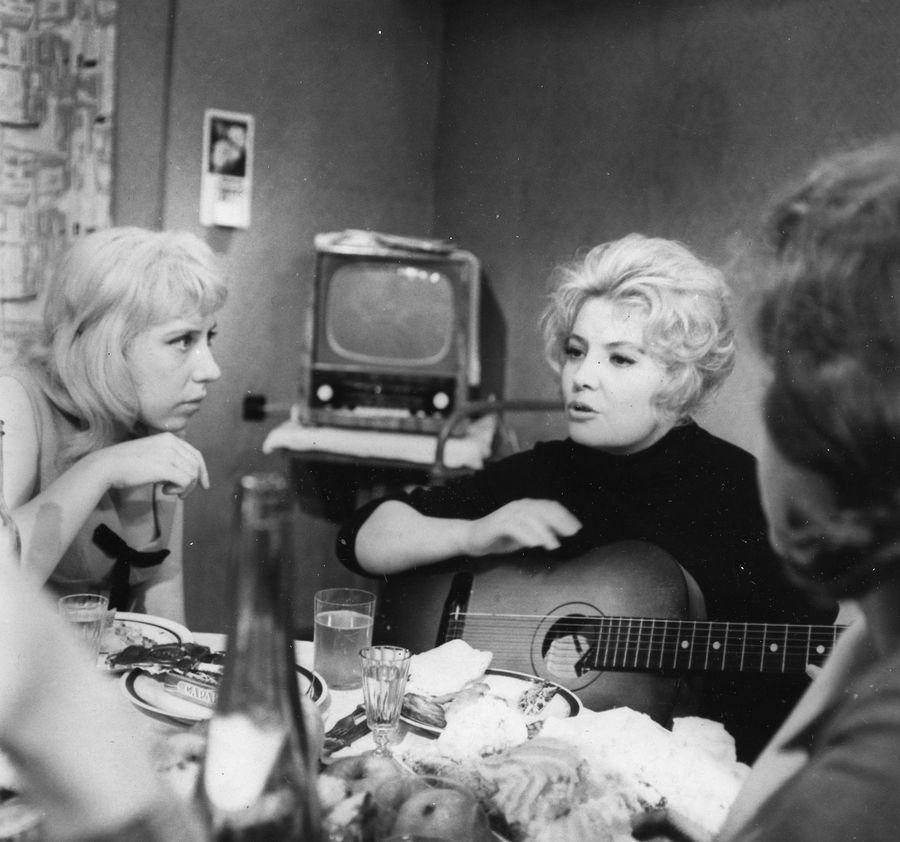 Актеры фильма старшая сестра 1966 брюс уиллис фильм стрелок